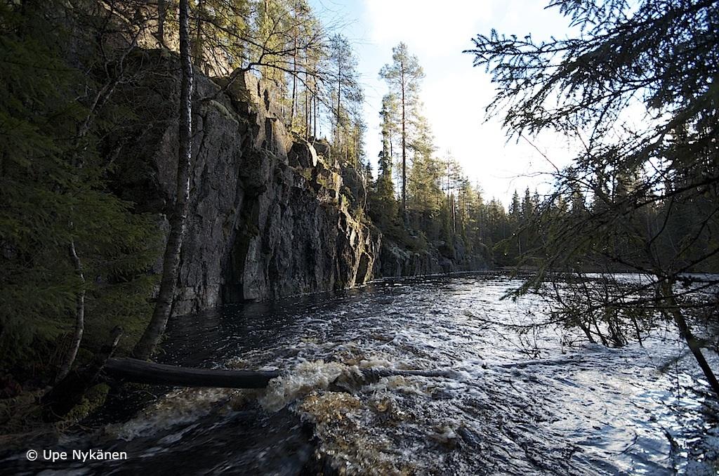 Petäjävesi, Karhunahas-rotkojärvi