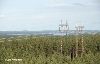 Sähkölinjoja Perkausvuoren näkötornilta