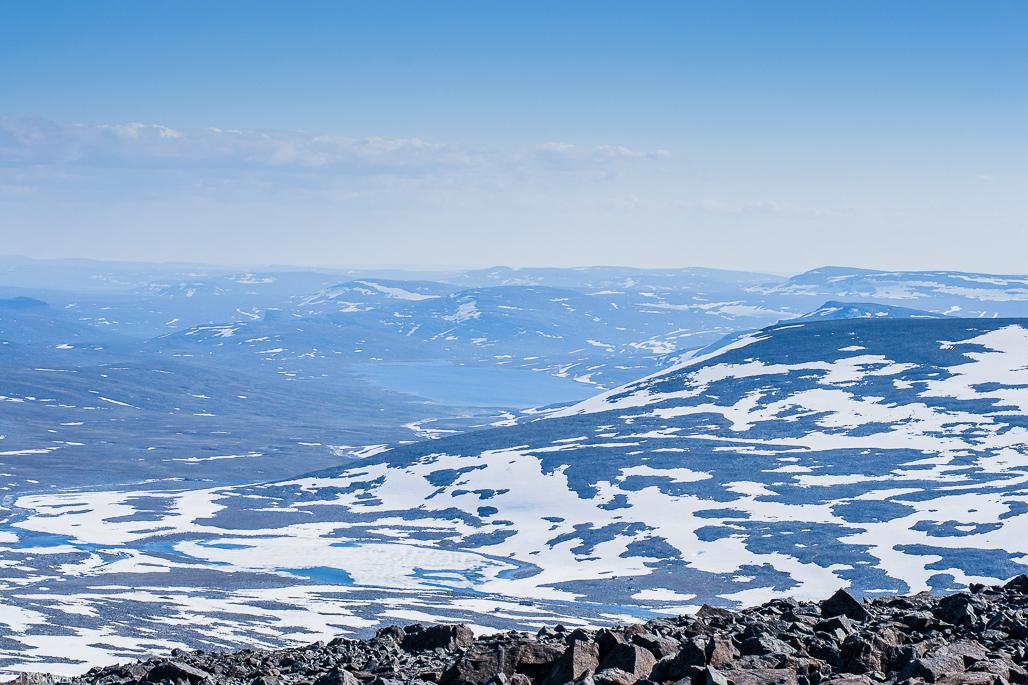 Haltin huipulta oli hyvät näkymät Suomen puolelle.