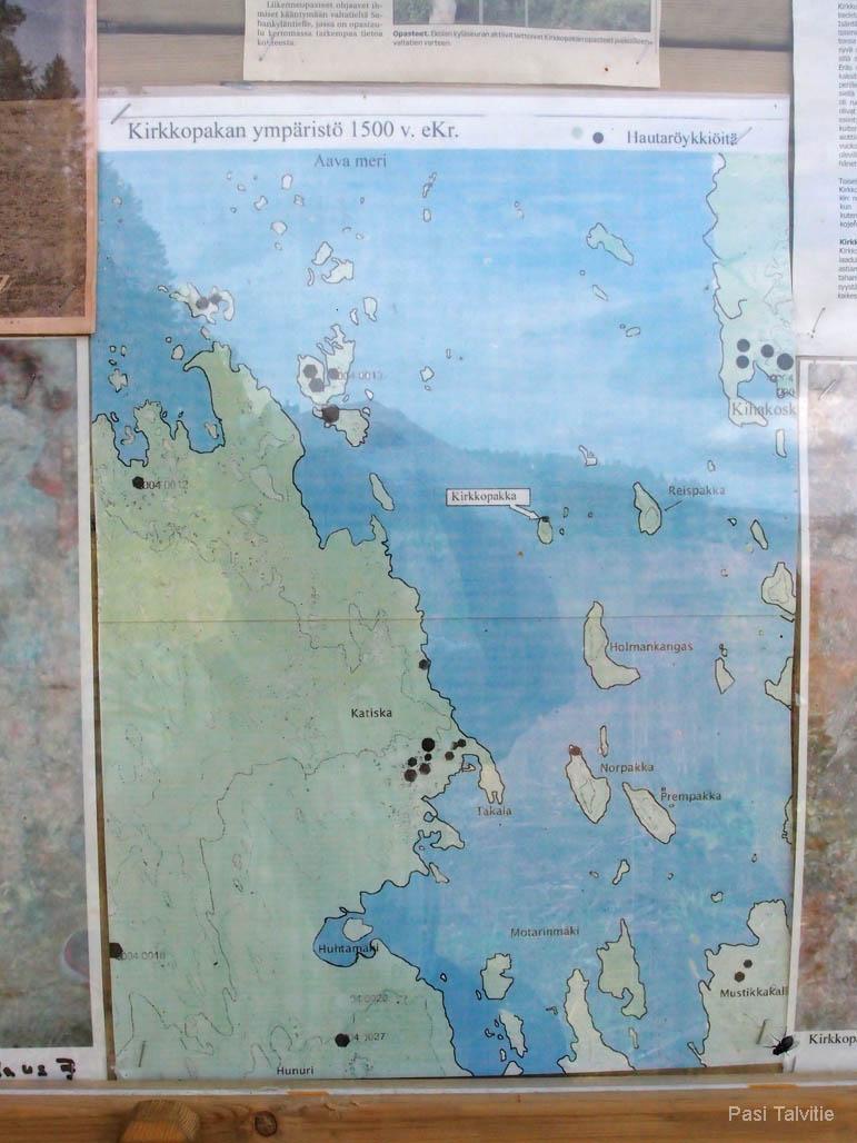 Opastaululta löytyy kartta, joka kertoo, miltä maisema näytti pronssikaudella.