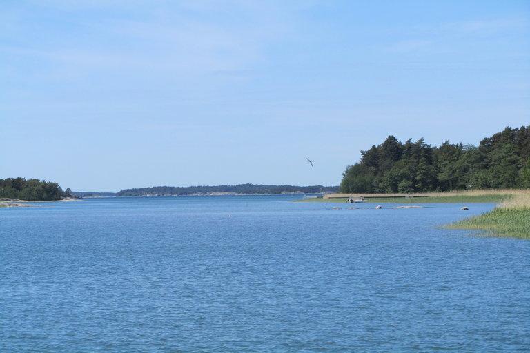 Maisemaa Iniön saaren rannikolta