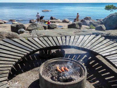 Varlaxuddenin tulipaikka meren rannalla