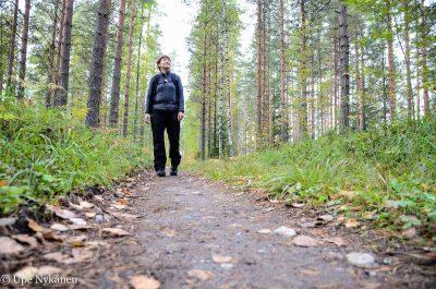 Kävelijä Kinttupolulla, Liperi