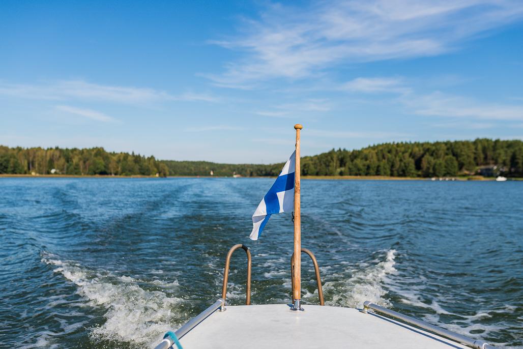 Taakse jää Parainen, edessä häämöttää Saaristomeren kansallispuisto.