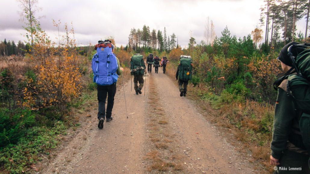 Esimerkiksi kovapohjaisella soratiellä Scoutit tuntuvat ehkä hieman kömpelöiltä.