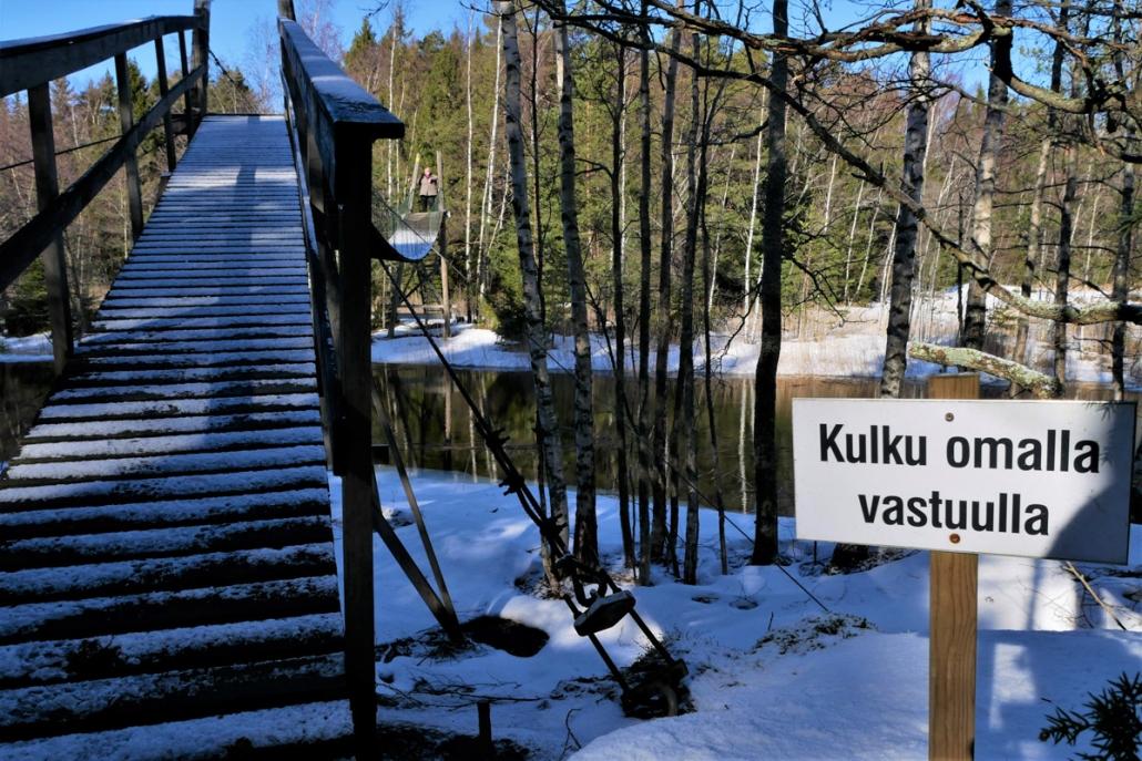 Raasepori Kopparo luontopolku riippusilta omalla vastuulla