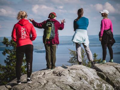 Kolin huipujen kierros oppaan johdolla Pohjois-Karjala retkeilyhelmet Kuva: Terhi Ilosaari