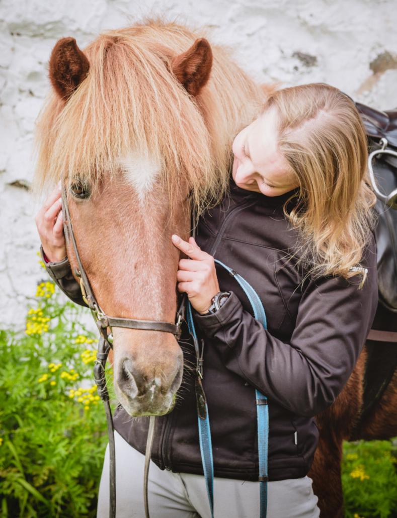 Ratsastusretki Kuivalan Islanninhevostilalla, Vuonislahdessa. Kuva: Terhi Ilosaari